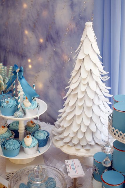 Frozen Birthday Party decorations!  See more party ideas at CatchMyParty.com!