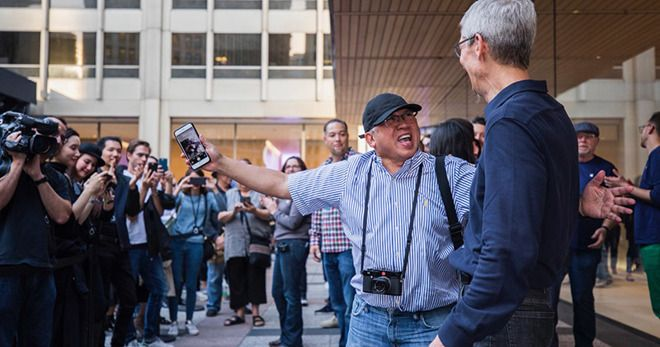 Chicago flagship Apple store dimming lights at night to prevent further migratory bird deaths
