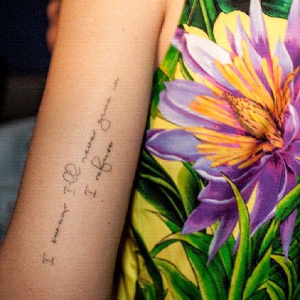 Mais dela: http://nossonomenaoemarilyn.blogspot.com.br/2013/05/as-tatuagens-da-blogueira-chiara.html