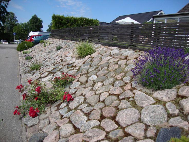 gjuta in runda stenar i betong i en sluttning - Sök på Google