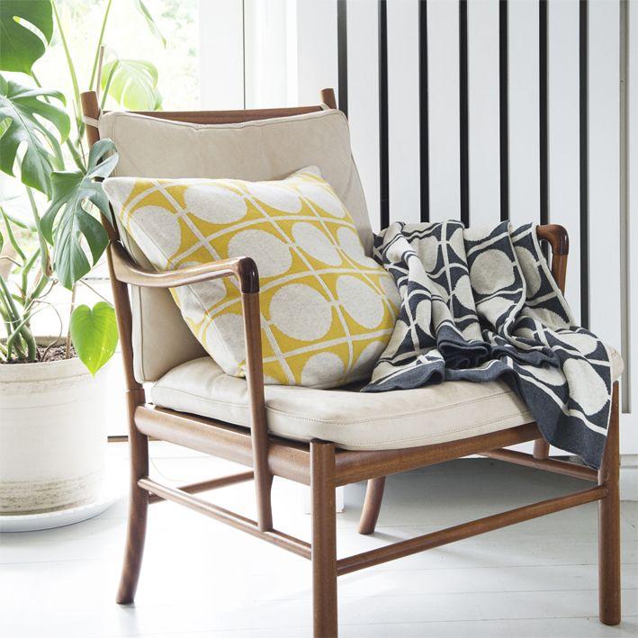 FunkyDoris | Don yellow pillow and Don grey blanket
