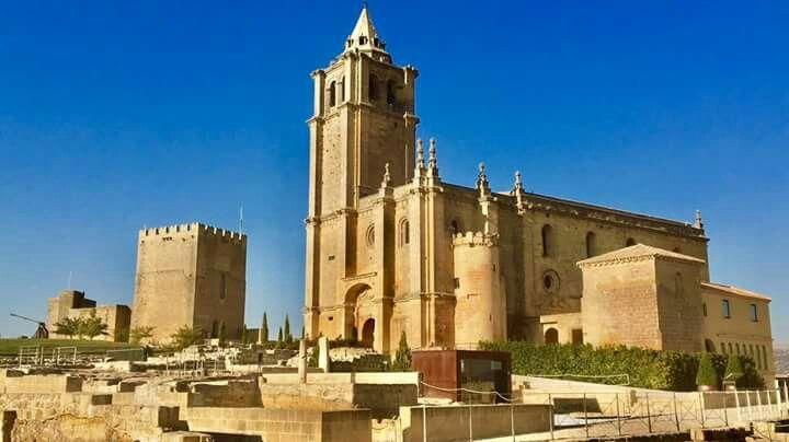 Las navidades son para estar rodeados de amigos y familiares pero también para disfrutarlas viajando. Estos días, escápate a Alcalá la Real y su Fortaleza de la Mota.
