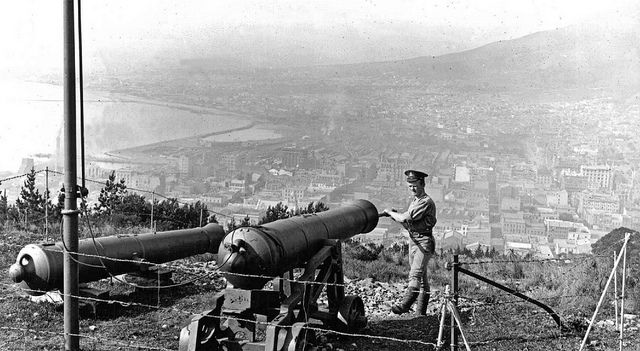 Noon Gun, Signal Hill being prepared by a member of the Royal Garrison Artillery in 1910