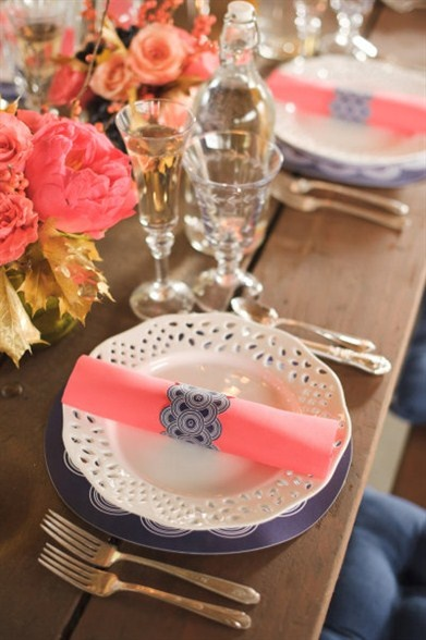 coral colored place setting tablescape