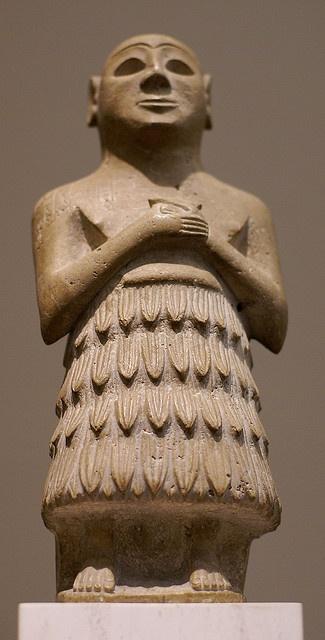 Frankfurt, Liebieghaus, sumerische Beterfigur (Sumerian figure of a praying man) by HEN-Magonza, via Flickr. Beterfigur aus dem frühen Zweistromland, Sumer 2500 - 2350 v. Chr.  (Figure of a praying man from early Mesapotamia, Sumer 2500 - 2350 B.C.)