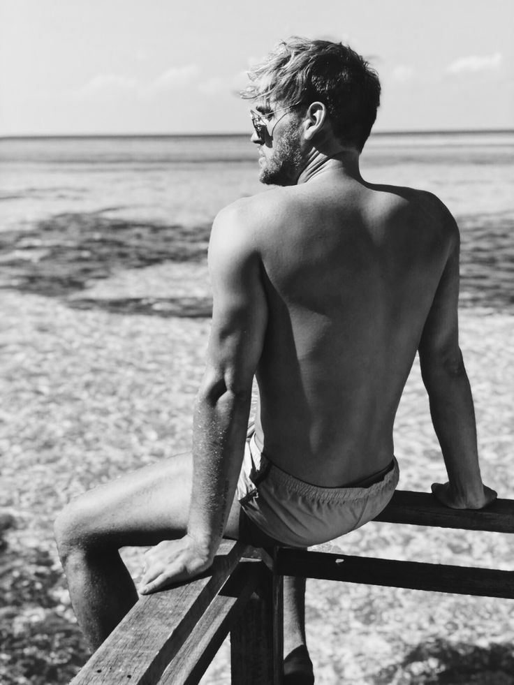 Male model, Black & white photgraphy at the maledives with patrick van zitzewitz