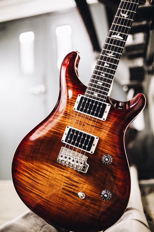 PRS Guitars                                                                                                                                                                                 Más