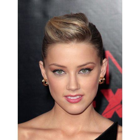 Amber Heard At Arrivals For The Pineapple Express Premiere Canvas Art - (16 x 20)