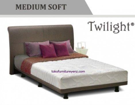 Jual Spring Bed Elite TWILIGHT       Minimalis Box Bed[medium soft]     Divan Bed 44 cm, Sandaran Twilight 100 cm     harga belum termasuk PROMO bulanan jika ada, hubungi kami untuk informasi lanjut  - See more at: http://www.tokofurnitureyenz.com/product/jual-spring-bed-elite-twilight/