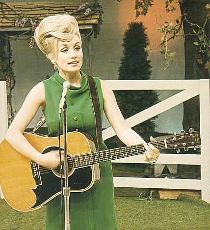 Dolly Parton on the Porter Wagoner Show. Love Dolly!!