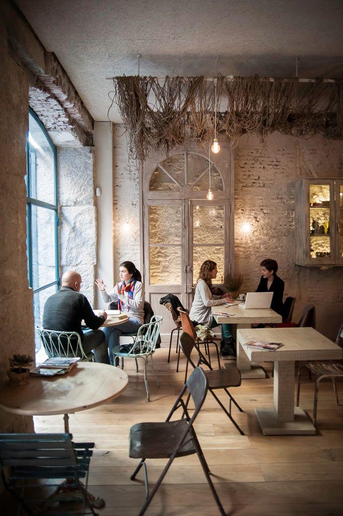 Love the netting; Maricastaña // cafe, coctail bar // Corredera Baja de San Pablo, 12 // Madrid.
