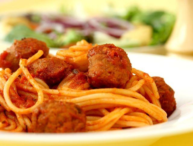Húsgombócos spagetti -- Mindmegette.hu