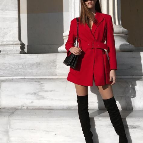 Be red hot like Ioanna Vlachou!  Shop link for #MIGATO ST033 over-the-knee boots ► bit.ly/ST033-L14en