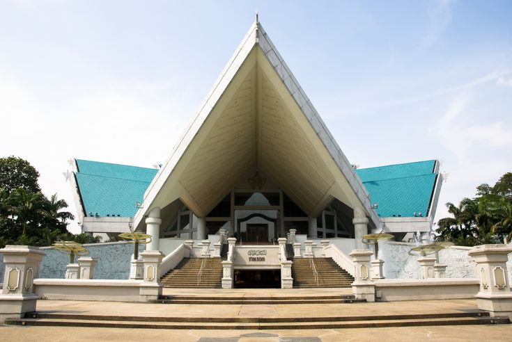 Istana Budaya or 'the Palace of Culture' is the National Theatre of  #Malaysia and one of the most popular #tourist spots.