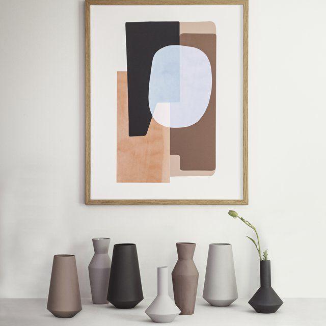 Des vases esprit scandinave, Ferm Living. Un design graphique et des teintes automnales pour des vases qu'on adore en hiver.