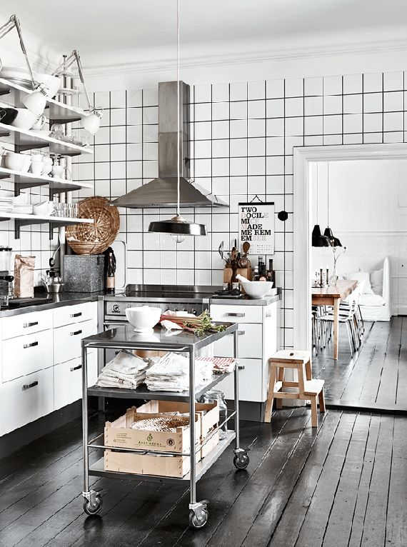 Swing arm lamps in the kitchen | Elle Decoration