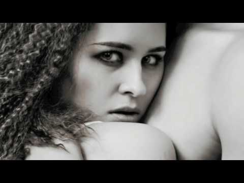 Daughter of Smoke and Bone: Book Trailer