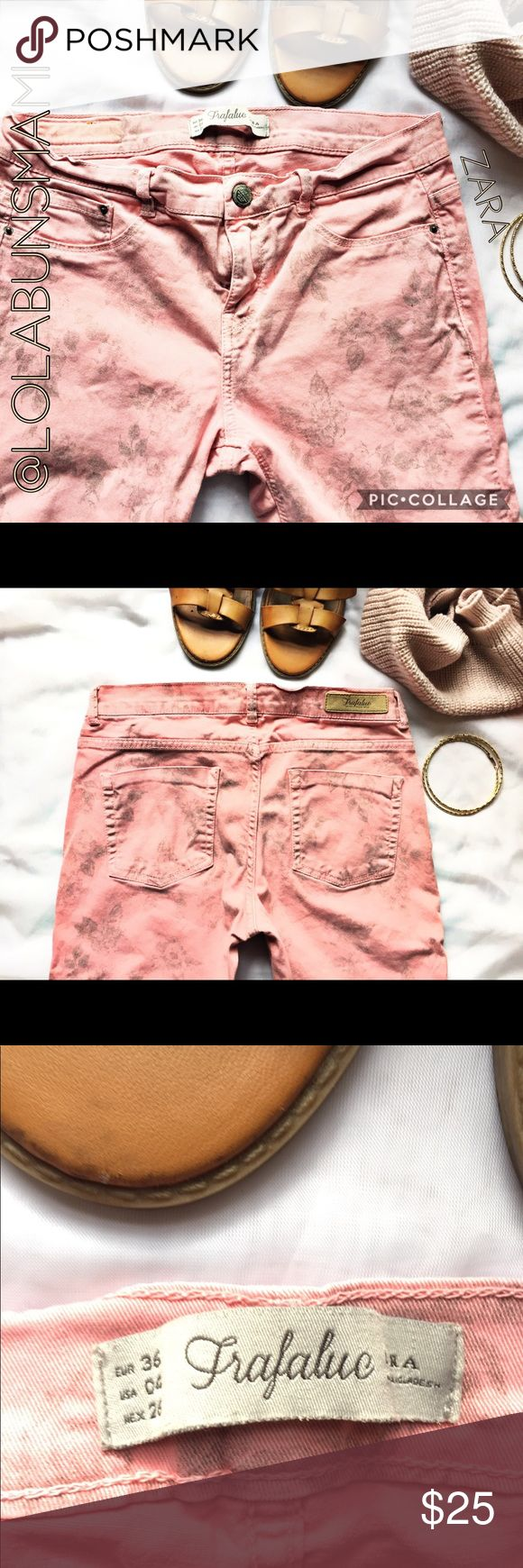 """Zara pink printed Skinny Jeans Love the color. Super cute! Waist is 13.5""""inches. Length is 36 1/2 inches Inseam is 28 1/2""""inches Zara Jeans Skinny"""