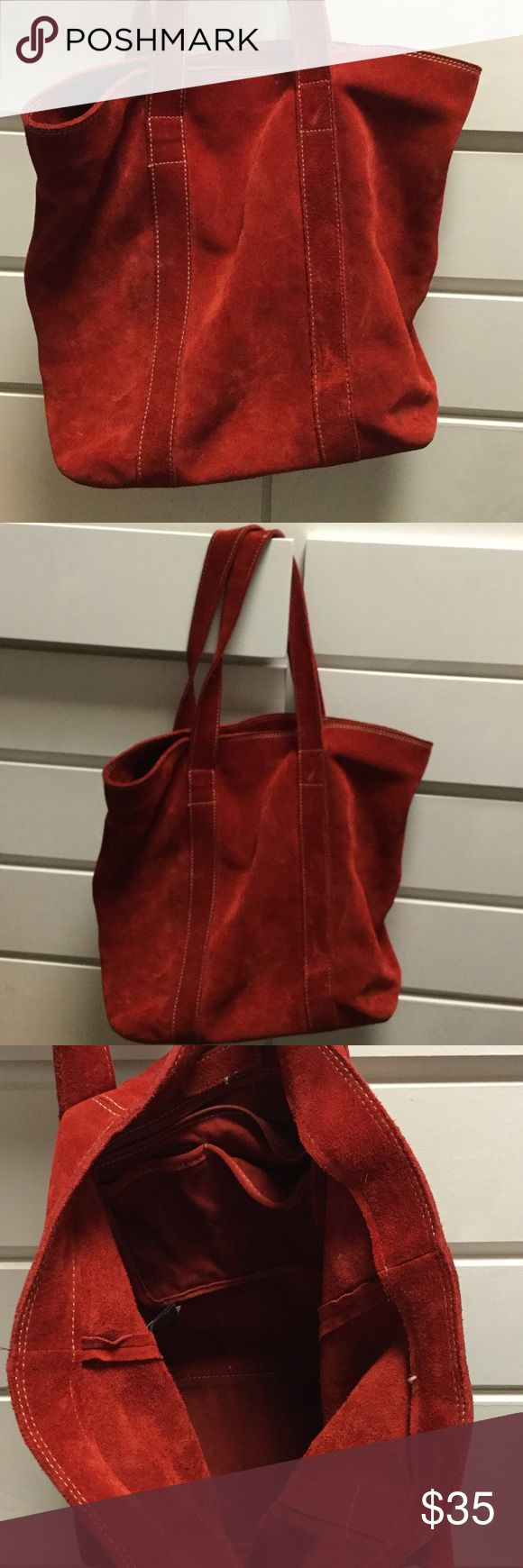 Banana Republic split leather red shoulder bag Banana Republic split leather red shoulder bag.  Excellent condition, ready to be matched with your wardrobe! Big bag holds a lot! Bags Shoulder Bags