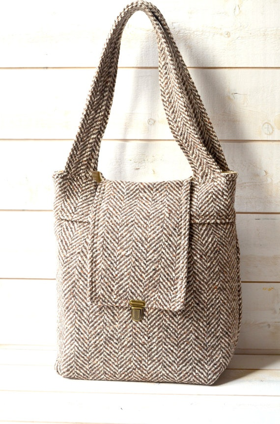 Winter fashion MESSENGER BAG Amy Big Herringbone tweed Wool Soft Brown Cream