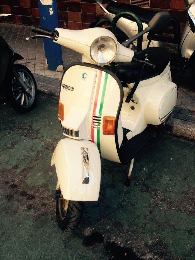 #vespa bandera Italia