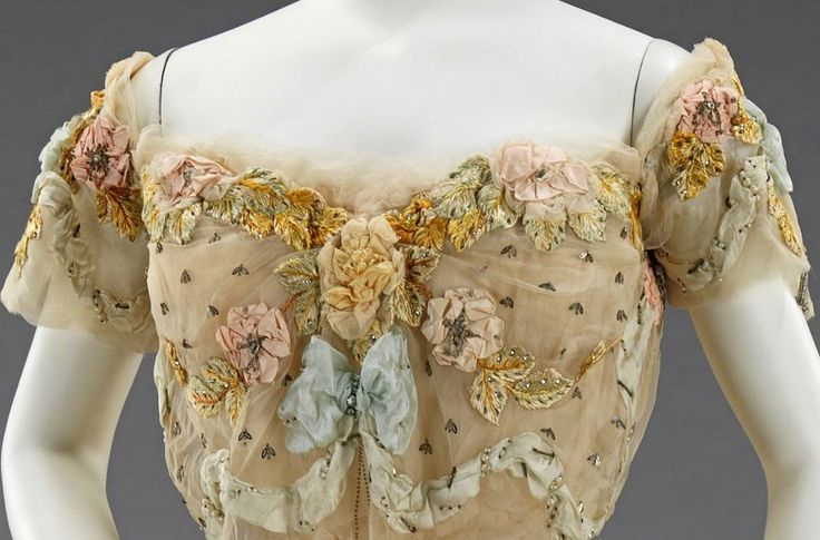 Jacques Doucet ball gown with paillettes made to look like bees, c. 1902. Via the Met Museum