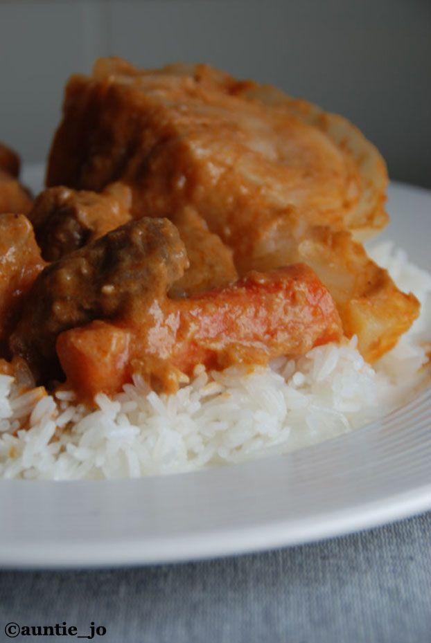 maffe boeuf 2 cuisine africaine / recette sénégal • mafé bœuf ( patates douces carottes poireaux concentré de tomates potiron kub or oignon ail chou blanc manioc pate d arachide gite de boeuf piments séchés 45m )