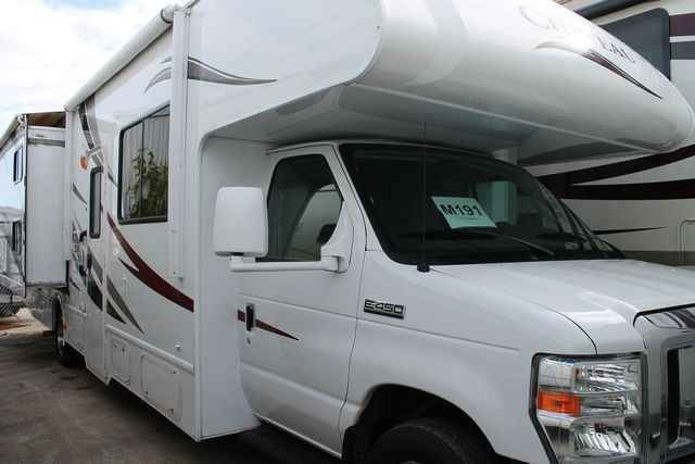2013 Used Thor Chateau 31A Class C in Texas TX.Recreational Vehicle, rv, For an up-to-date listing of over 454 Used RVs for sale, including pictures and floor plans (click on stock number), visit our site at www.PPLmotorhomes.com!