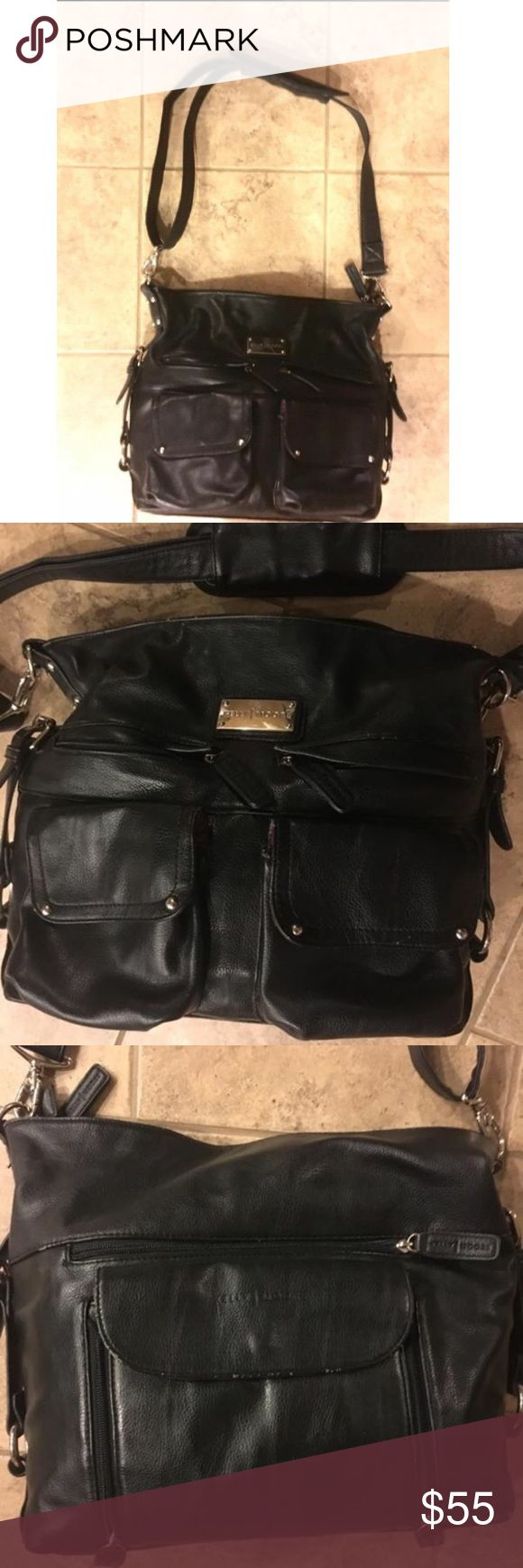 Kelly Moore Crossbody Leather Camera Bag Used for multiple weddings but still in awesome shape! He inside is in great condition and is completely adjustable to fit your gear. Kelly Moore Bags Crossbody Bags