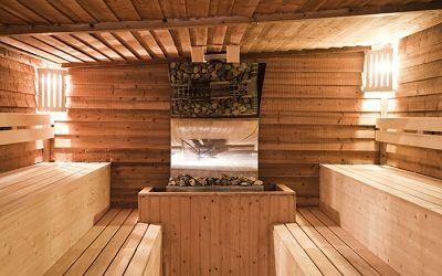 Very few sauna manufacturers have the dedication to authenticity and high quality that Finlandia does. All of their sauna options are almost entirely handmade to ensure that the highest level of quality is met