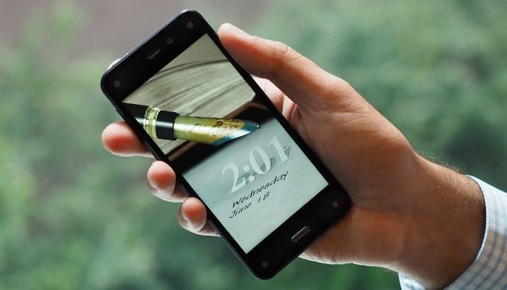 Amazon's Fire phone has average looks and high aspirations (hands-on)