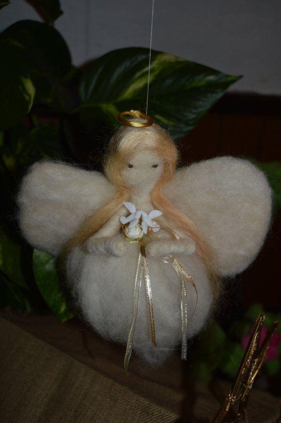 Needle Felted Angel needle felting Christmas by CoxayuyoArtesanias