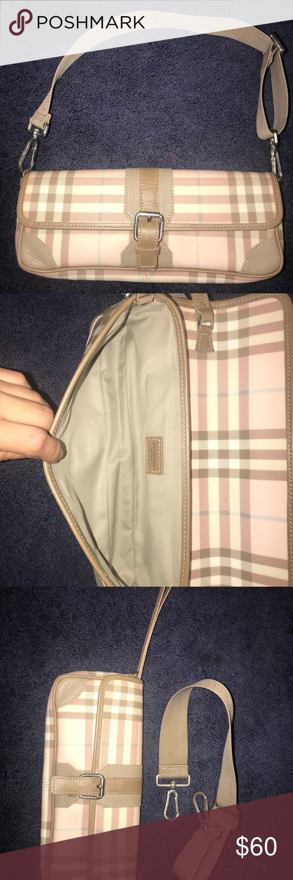 Burberry Burberry clutch Burberry Bags Clutches & Wristlets