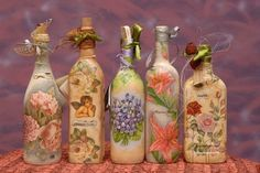 Decoupage on glass bottles: how to do it and keep it in time - Donnaclick