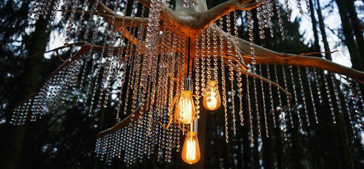 Wir produzieren kunstvolle Beleuchtung.