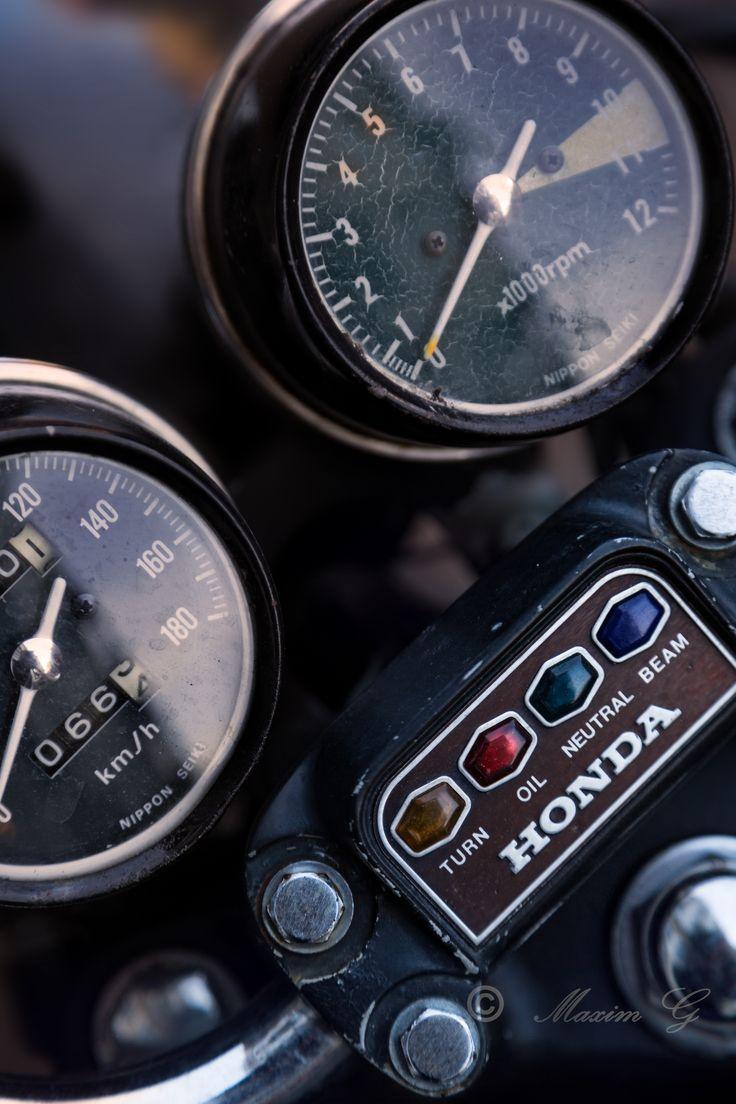 #honda #cockpit #motorbike #motorcycle #electronics #japanese #design #speedo #classic #350four #yamaha #suzuki #productphotography    #caferacer.        http://maximg-photography.com/