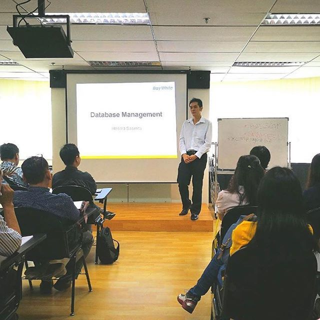 "#Repost @raywhiteindonesia ・・・ Our Guest Speaker on Ray White Marketing Continuous Training at Surabaya Corporate Office, Mr. Tan Padang (Ray White Jemursari), ""Database Management, Key to Grow Your Business"". • • • #professional #property #realestate #marketing #principal #agents #broker #helloyellow #business #quotes #qotd #quoteoftheday #webstagram #raywhite #raywhiteindonesia #realtor #realtors #realtorlife #event #conference #jakarta #principals #graphic #workshop #localrealtors…"