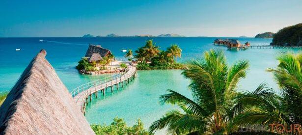FIDJI : Les Fidji c'est un peuple richement coloré, peu touché par les attraits du monde moderne et autant de rites et traditions divers qui mélangent authenticité et exotisme. Fidji, ce sont aussi les plus beaux fonds marins au monde, le lieu par excellence des coraux mous et l'une des plus belles destinations balnéaires. C'est enfin le lieu où s'offre à nous une nature pure et généreuse.