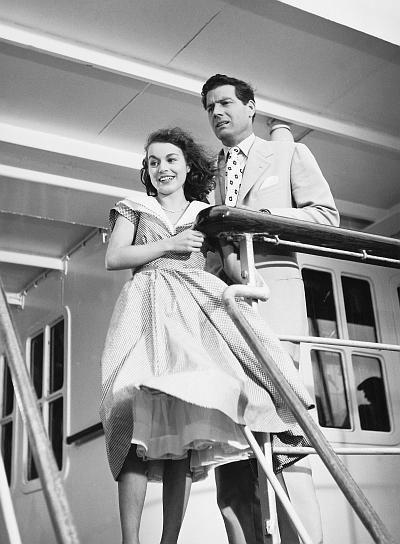 "Ina Peters, Paul Hubschmid in ""Glückliche Reise"" (1954)"