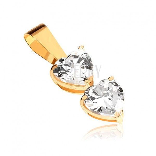 Přívěsek ve žlutém 9K zlatě - dvě čirá zirkonová srdce v kotlících | Šperky Eshop
