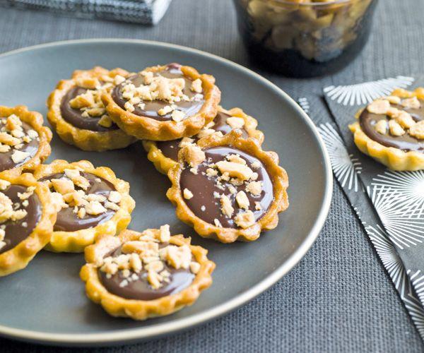 Minitartelettes auchocolat, éclats de cacahuètes salées : elles sont à croquer !