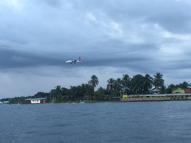 Airplane maneuvers before landing in Bocas Town - Bocas del Toro, Panama