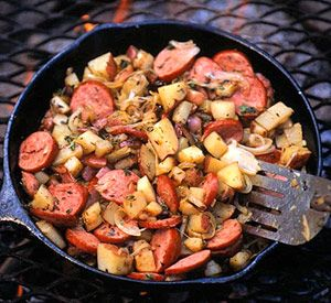 Cook this outdoor breakfast reicpe over a campfire. It's a meal rich in protein and carbs and will fuel energy levels until it's time for lunch.Turkey Sausage, Skillets Sausage, Sausage Potatoes, Camps Breakfast, Potatoes Skillets, 15 Camps, Breakfast Recipes, Camping Breakfast, Camps Food