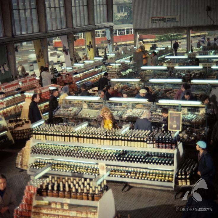 Supersam w środku 1970  #warszawa #warsaw #poland #supersam #sklep #PRL #zakupy #ViolettaVillas #architektura