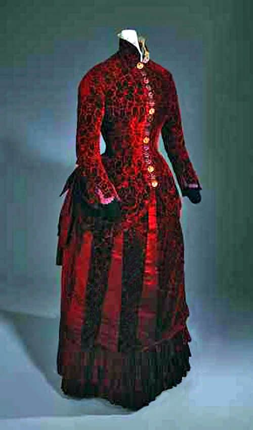 Evening dress, ca. 1883. Velvet, satin, metal. California Historical Society Collections at the Autry National Center