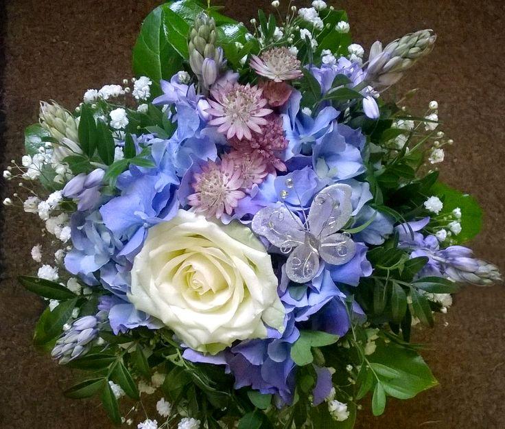 Onnitelukimppu: sininen #hortensia #ruusu Kukkiamme voi tilata myös verkkokaupasta http://meritorni.ekukka.fi