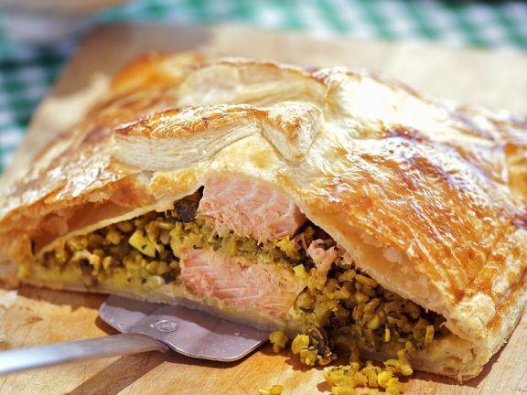 Lachs mit Reis und Linsen in Blätterteig ist ein Rezept mit frischen Zutaten aus der Kategorie Pastete. Probieren Sie dieses und weitere Rezepte von EAT SMARTER!