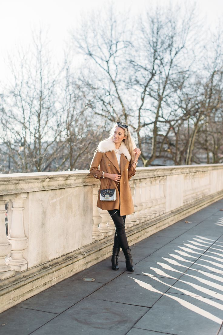 What I'm Wearing Coat byRiver Island |  Top byCoast |  Leggings by SilkFred  |  Bag by Furla  |  Watch byCluse |  Bracelets byMonica Vinader& Links  | …