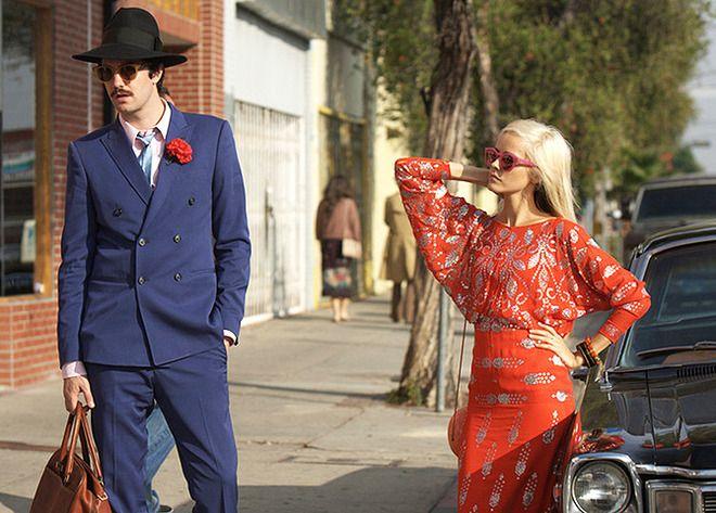 Джим Стерджесс и Изабель Лукас (кадр из фильма «Джентльмен грабитель»)