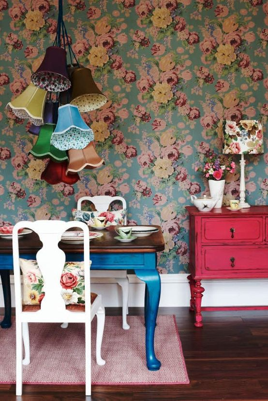 Love the lampshades!